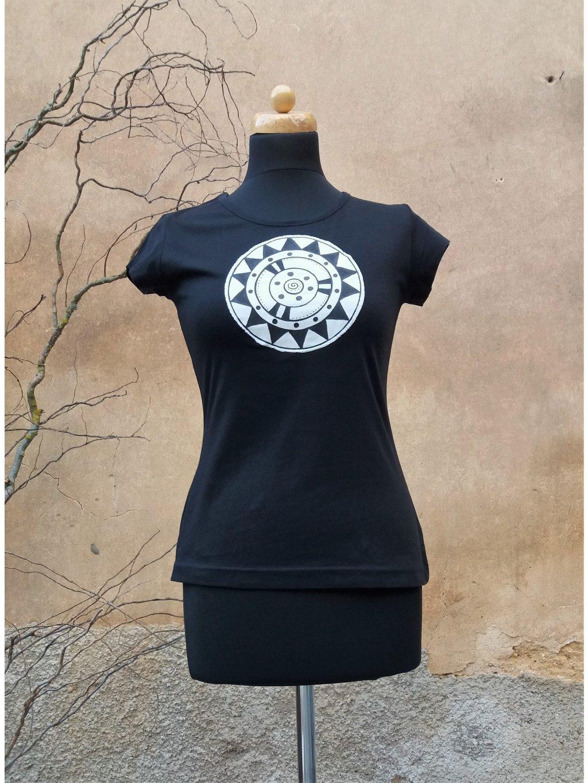 Černé triko malovaná mandala