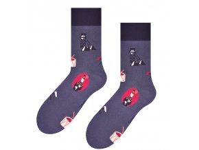 Vstávaj, Jano, hore ponožky tmavosivé