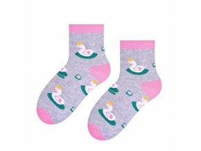 Spiace labute ponožky sivé s labutami