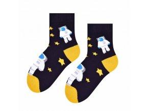 Kozmonaut hrdina ponožky čierne