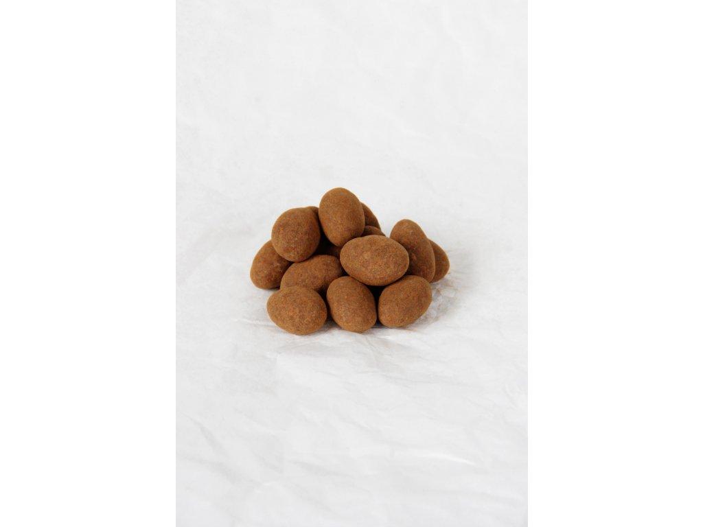 Mandle v mléčné čokoládě a skořici