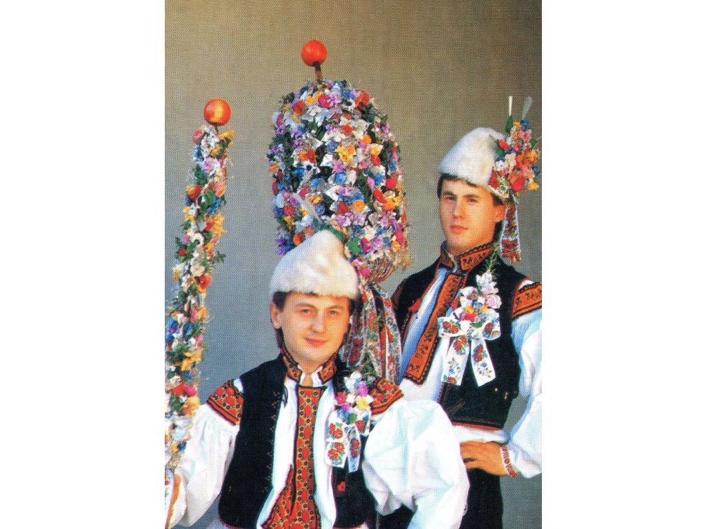 3095 2 pohlednice kroje starci s malym a velkym pravem z kostelan