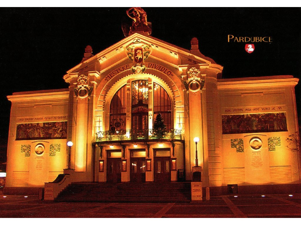 71 pohlednice pardubice v noci divadlo
