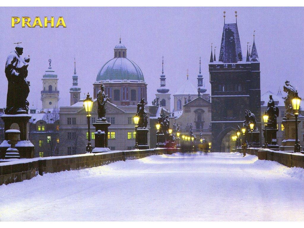 3437 2 pohlednice praha zimni karluv most