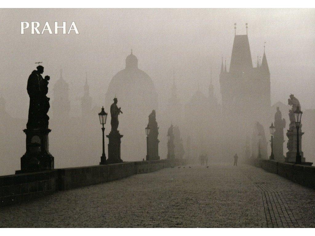 6044 2 pohlednice praha karluv most cernobila