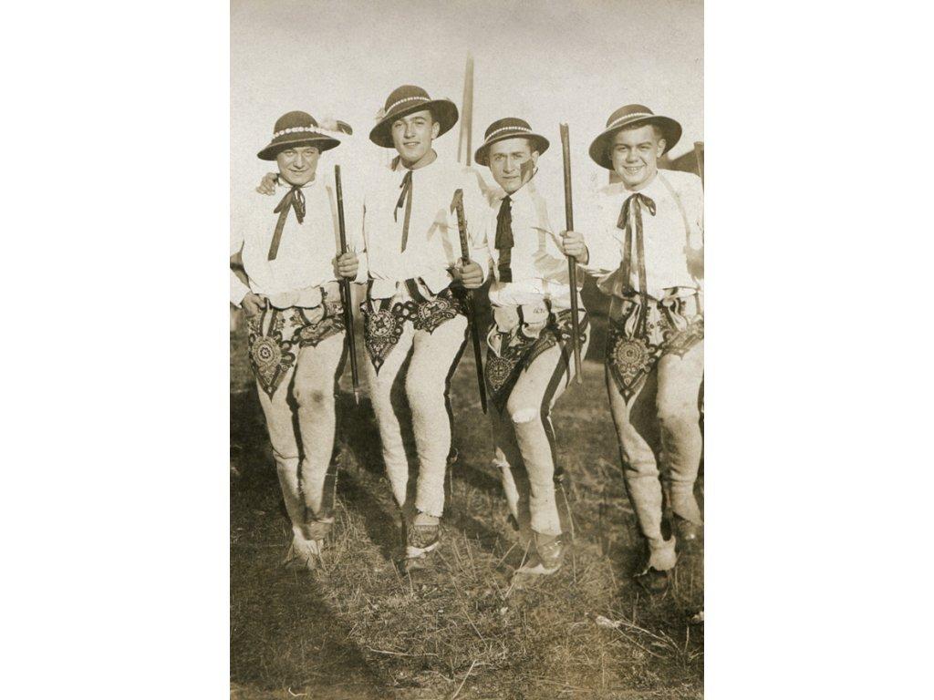 Postcard Highlanders