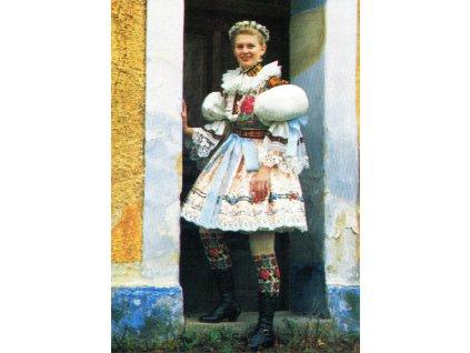 3092 2 pohlednice kroje obradni kroj druzicky z hradcovic