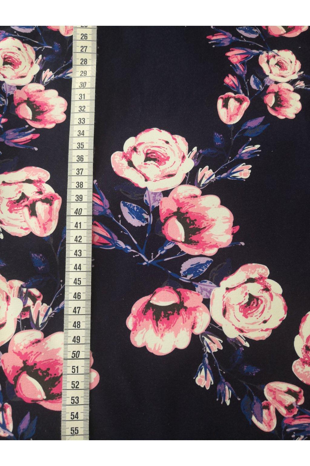 Růže na modré | bavlněný úplet