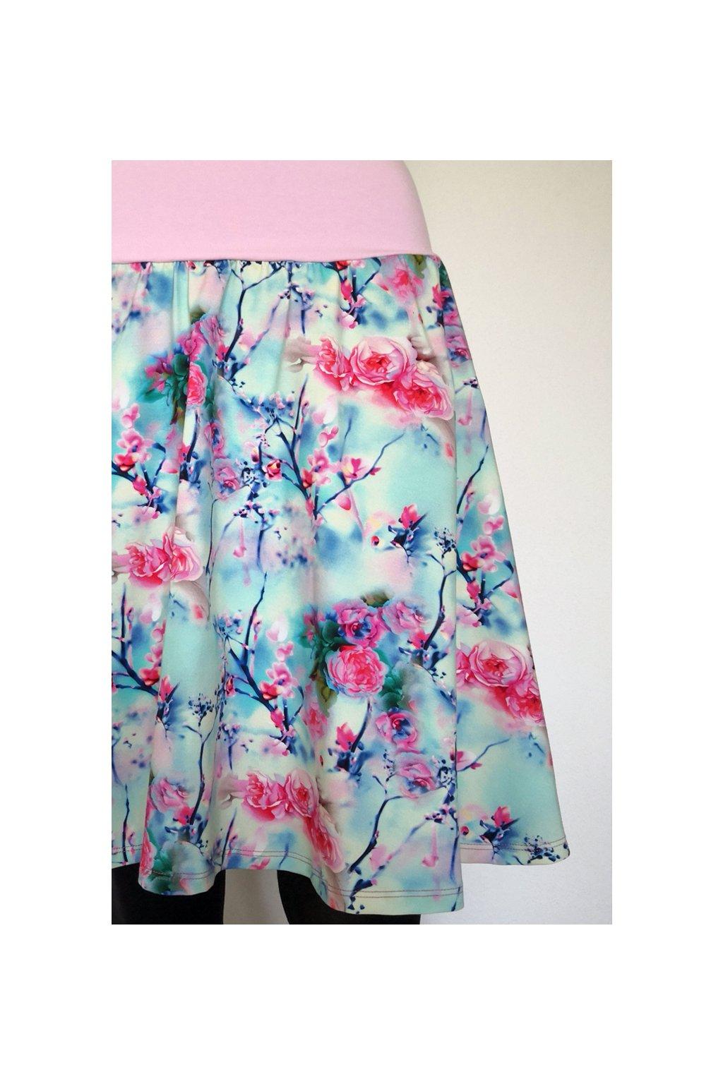 Půlkolová sukně Růžičky | úplet