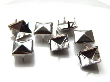 Železný cvok, čtverec se 4 pacičkami, platina