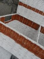 Renovace, kovový rám konstrukce, výplet papírové ruličky novinové ve stojení s barveým pedigem.