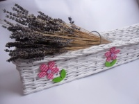 papírové ruličky, pletený truhlík na květiny z papírového pedigz