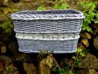 Zvláštně modrý košík z papírových ruliček na prodej k prodeji