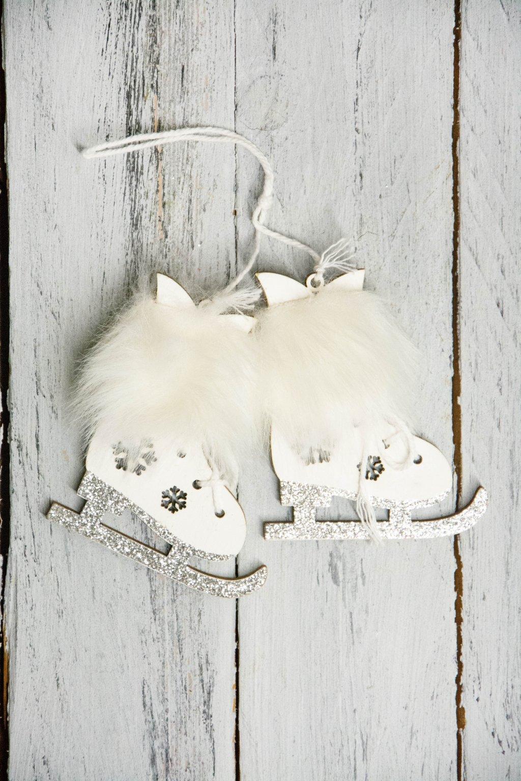 Bílé brusličky s kožešinkou