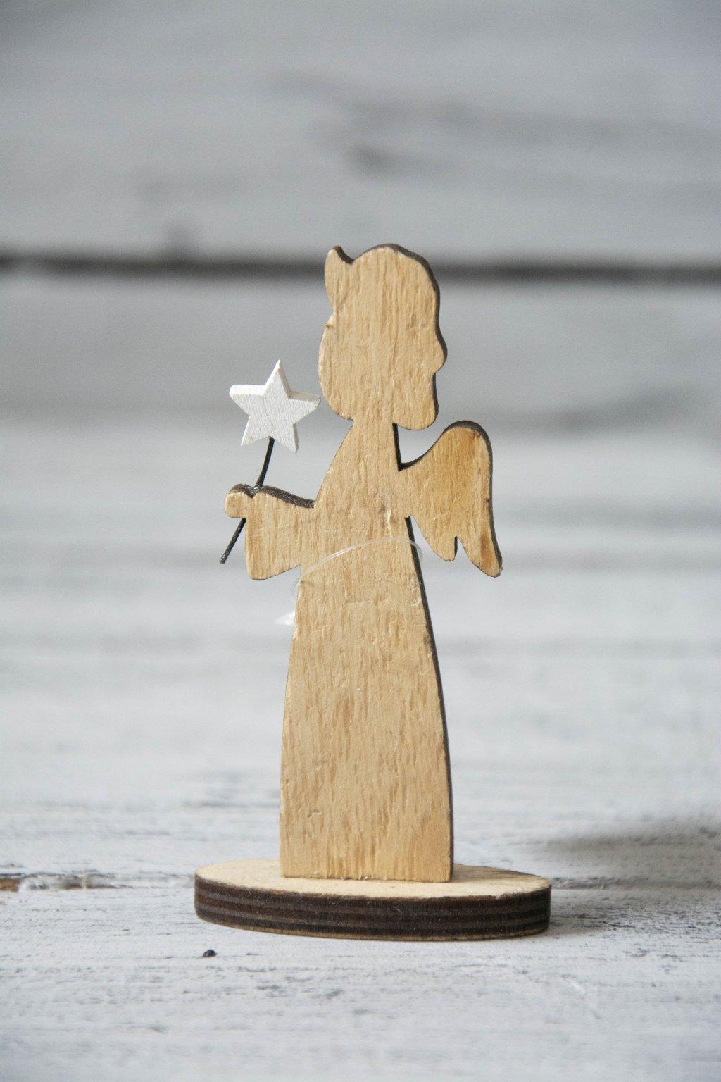 Dřevěný andílek hnědý