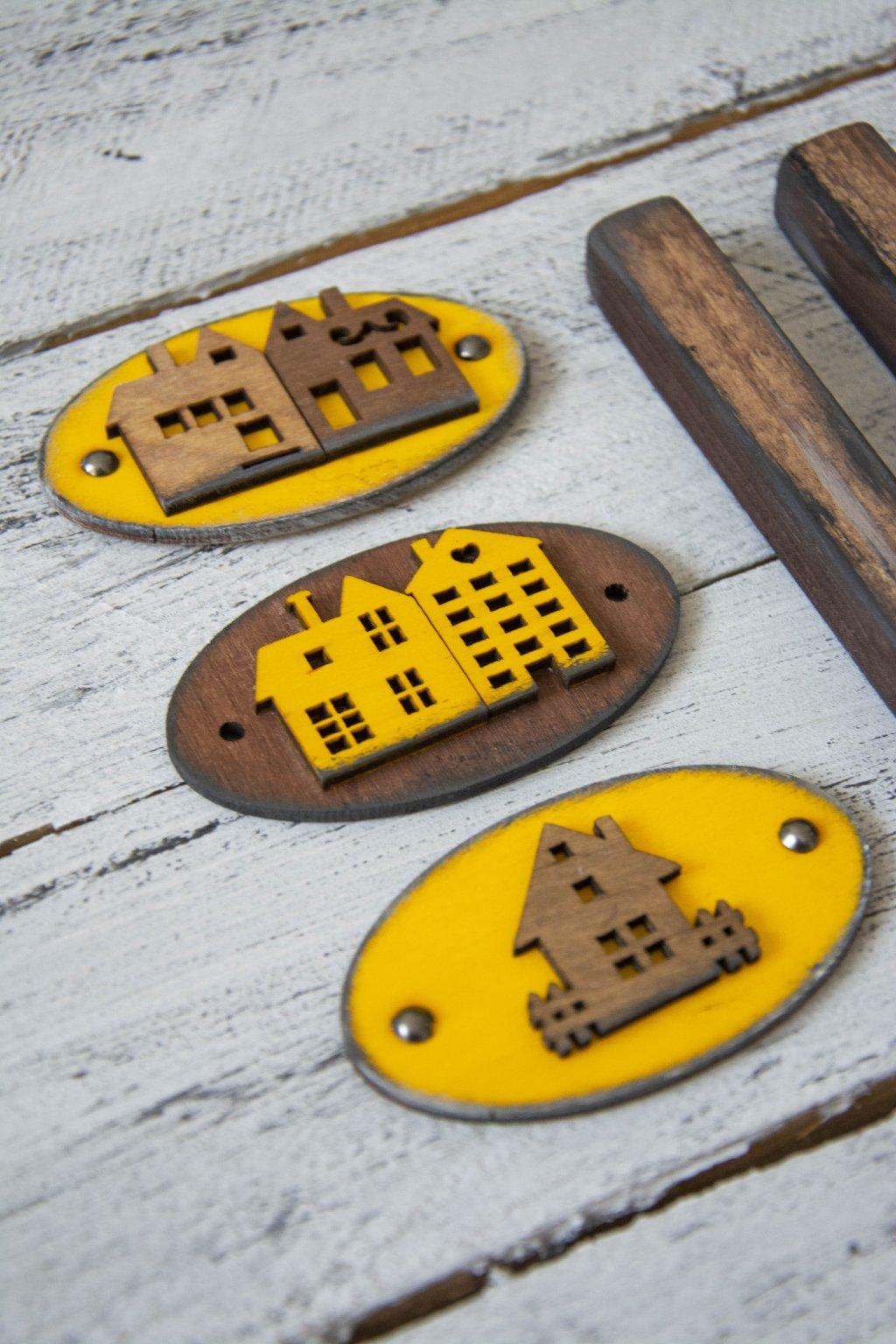 Dřevěné cedulky a úchytky