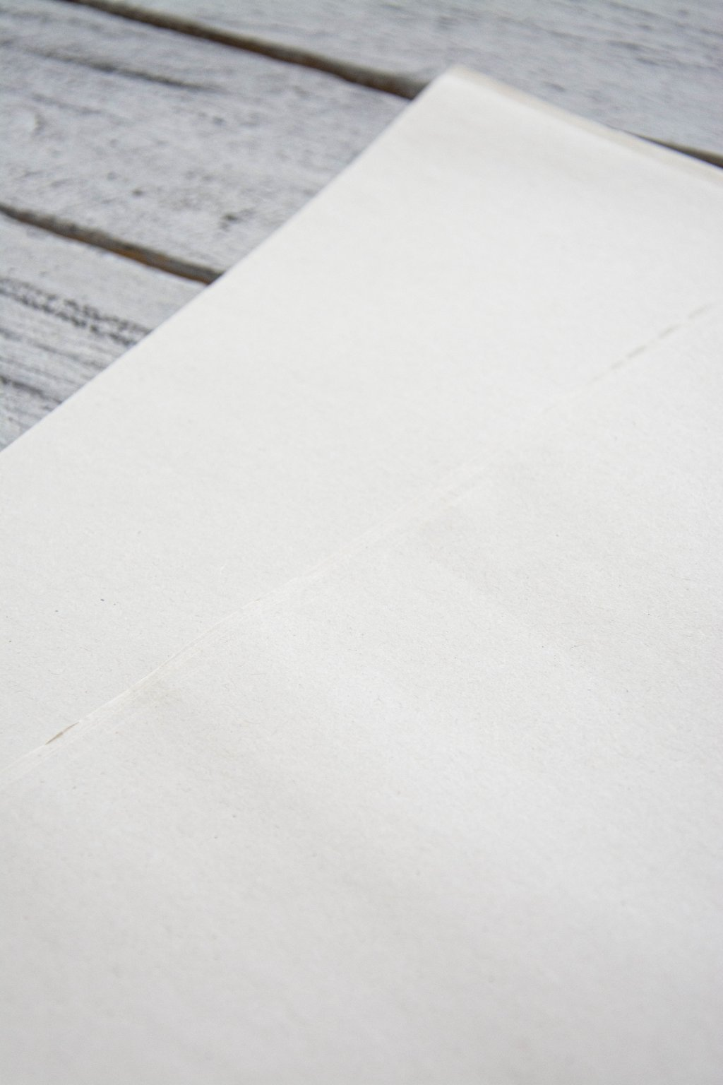 Balící papír Havana 38 x 58 cm. Řezaný na dlouho.