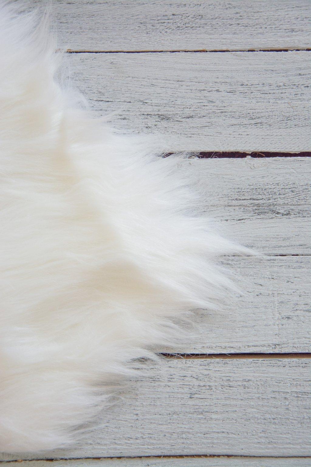 bíla kožešinka kožešina dlouhý chlup