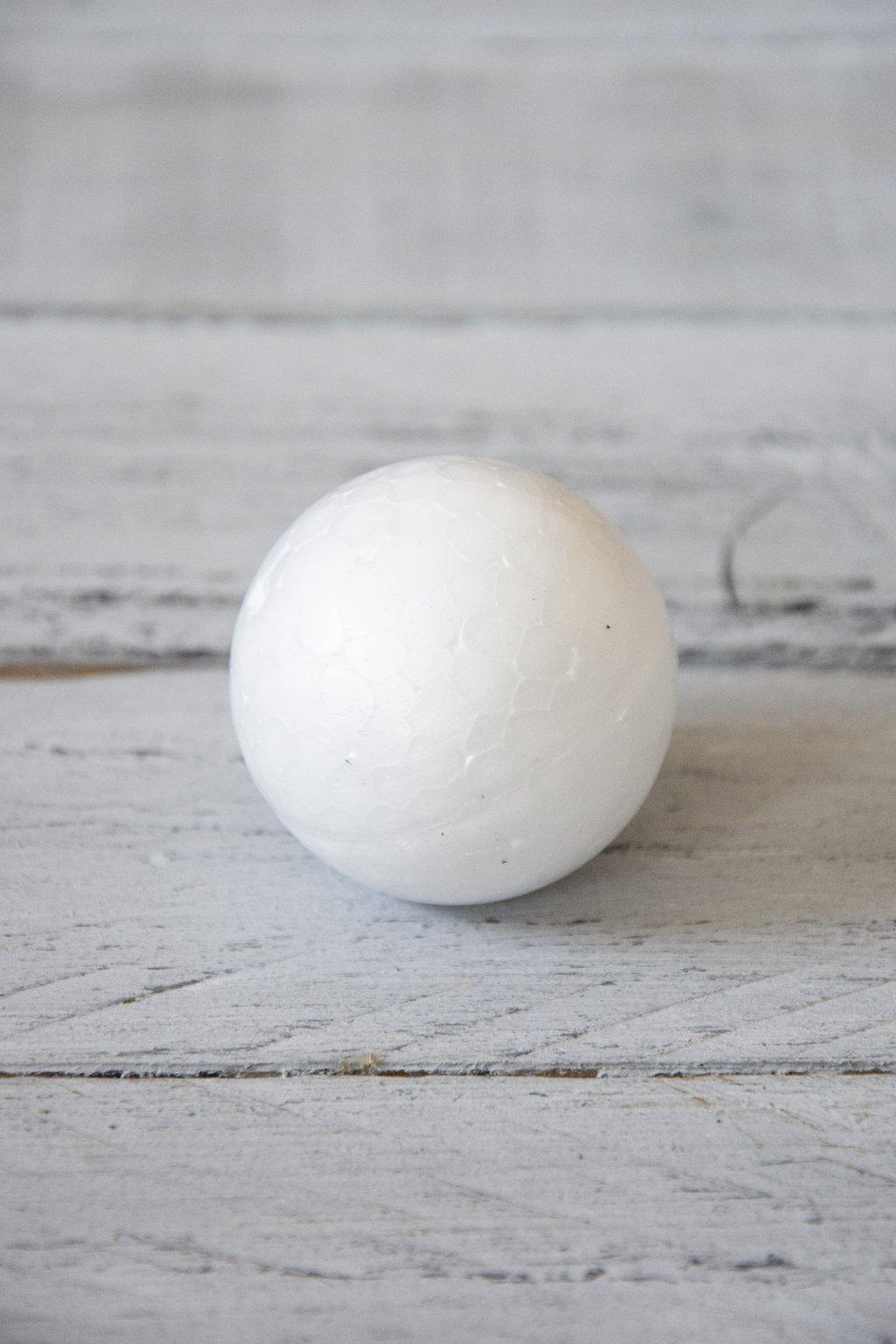 Polystyrenová koule průměr 3,5 cm.