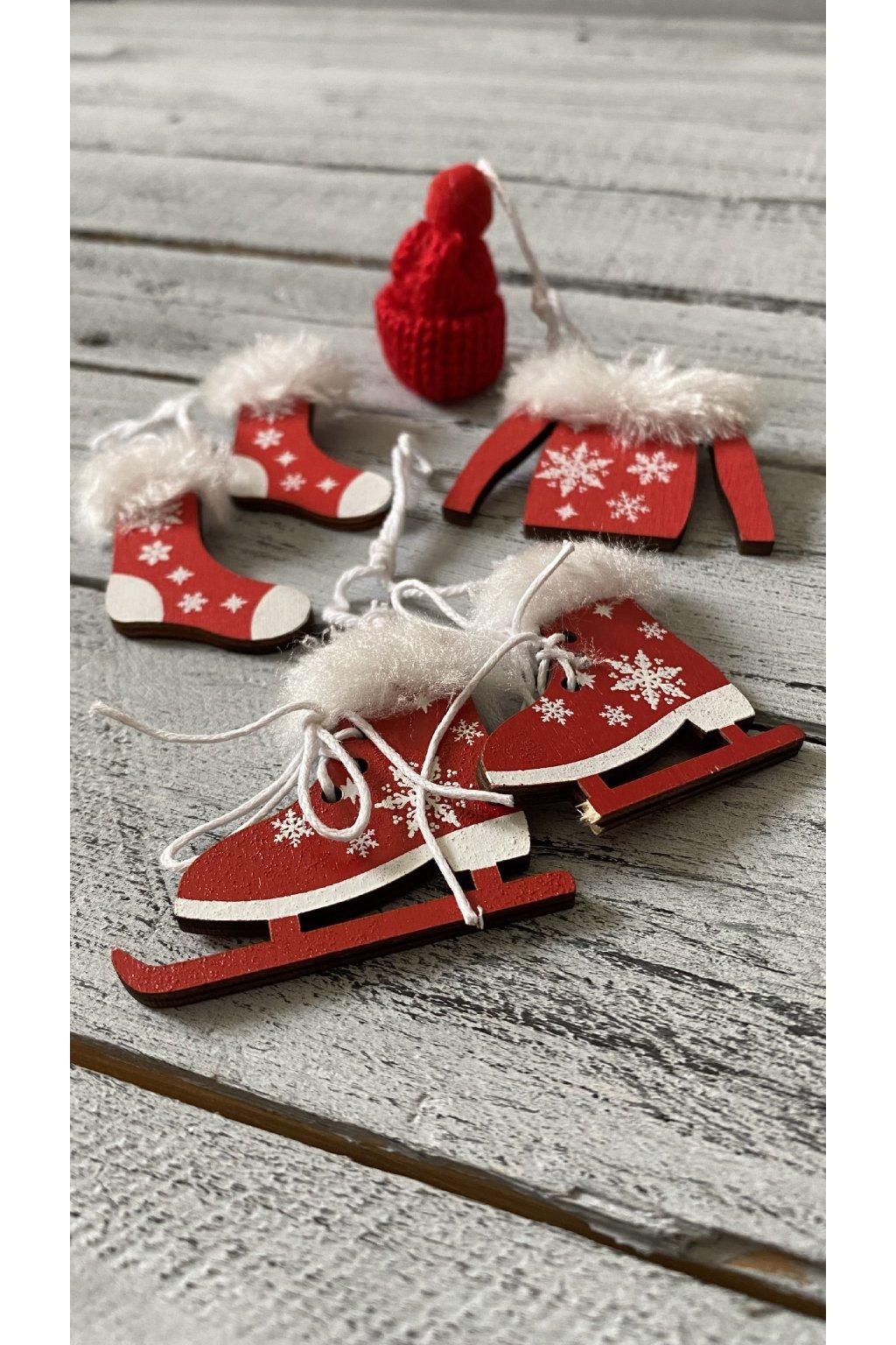 Překrásný zimní setík. Lze zavěsit na vánoční stromeček, ozdobit věnec nebo vánoční aranžmá.