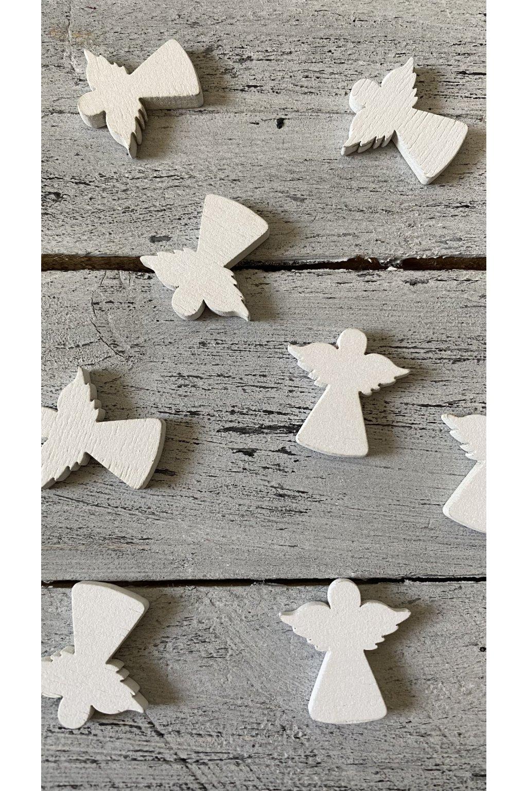 Bílý dřevěný anděl, rozměr 3 x 3 cm