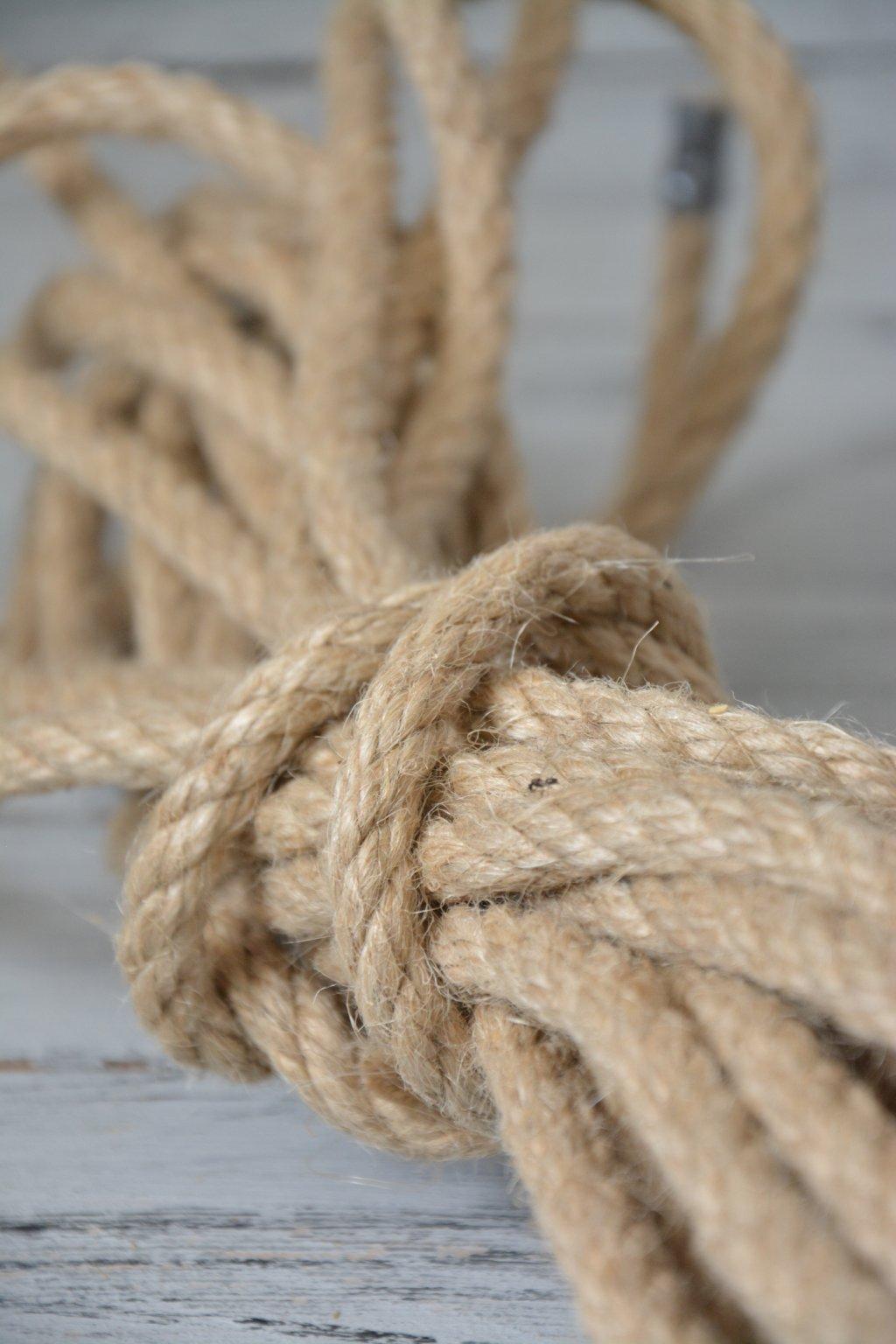 konopné lano na zdobení košů