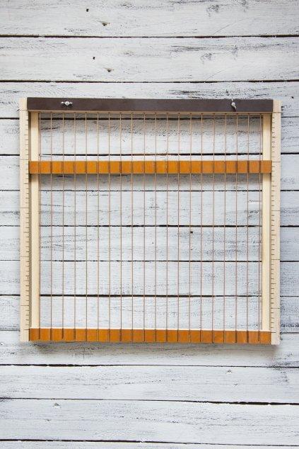 Dřevěný stav na pletení