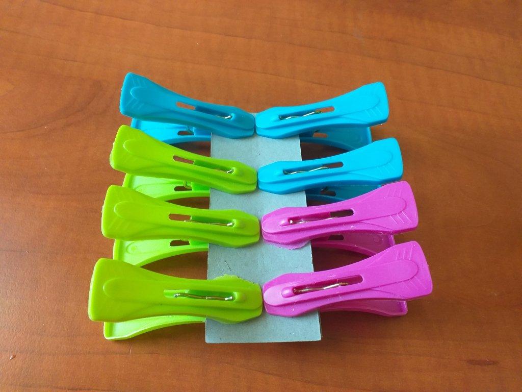 Kolíčky barevné 8 ks