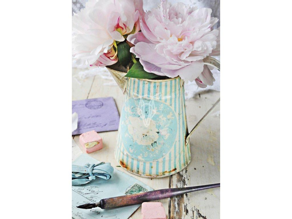Kwiaty i stare listy