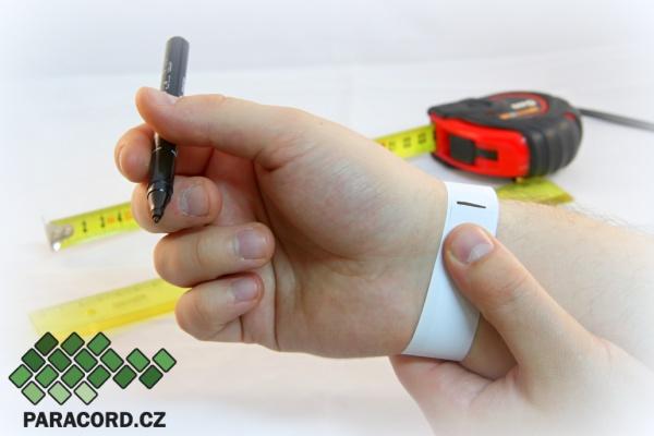 Jak změřit obvod zápěstí