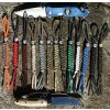 Paracord přívěšek na nůž (vlastní barvy)