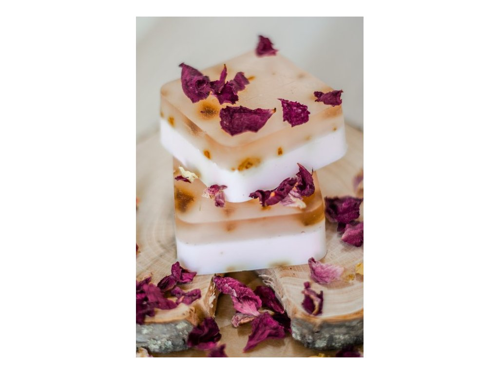 Mydlo s lupeňmi ruží