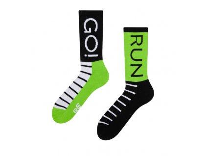Veselé športové ponožky Beh