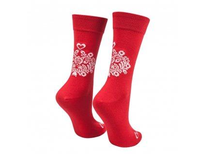 Veselé ponožky červené ľudové srdiečko
