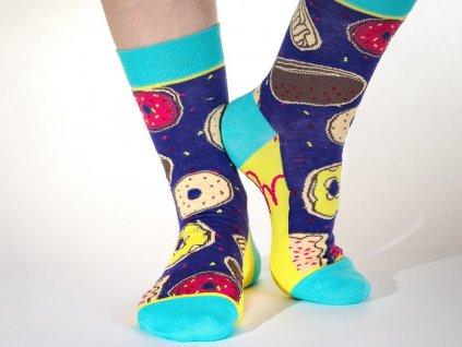 vesele ponožky čas na donuty