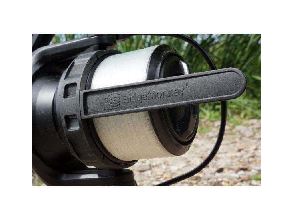 RidgeMonkey Line Control Arm  závěsný klip na naviják