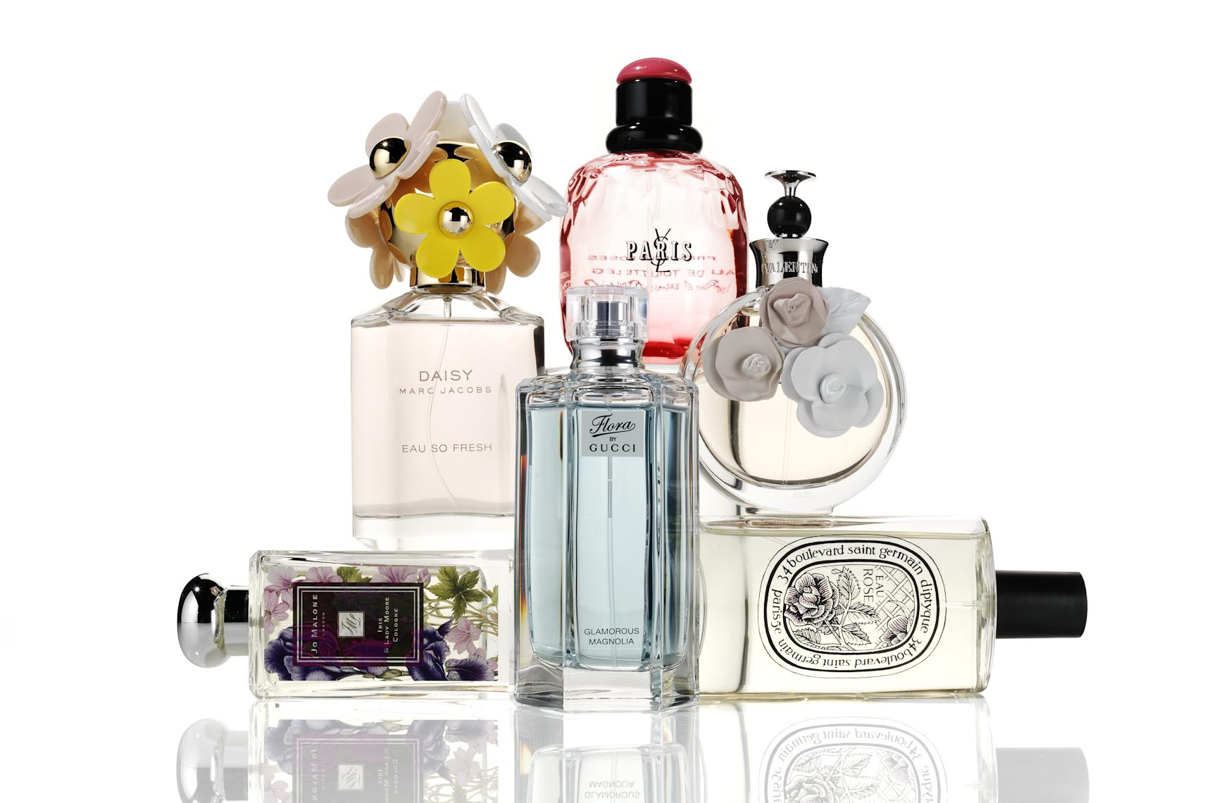 Mike-Lorrig_PFB_1438083_1221026-cosmetics-still-life-fragrance-bottles-on-white