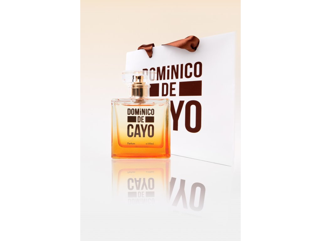 DOMiNICO DE CAYO s taštičkou