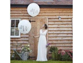 cw 218 giant mr mrs balloons v2 min