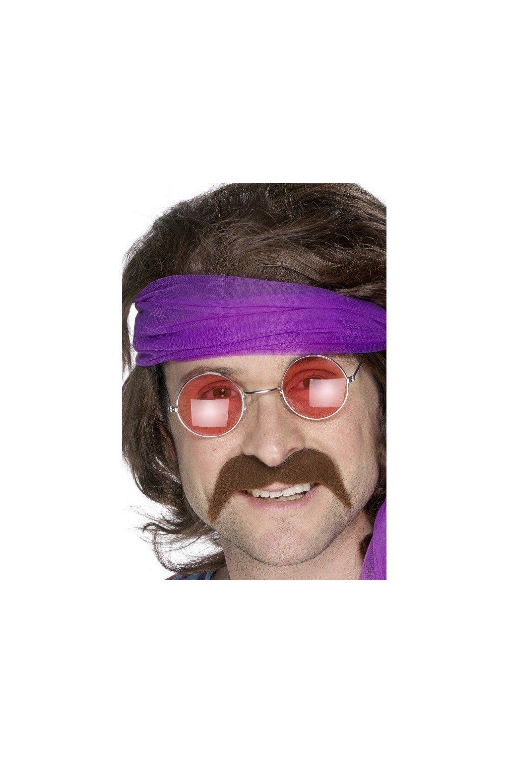 Hnědý knír hippie