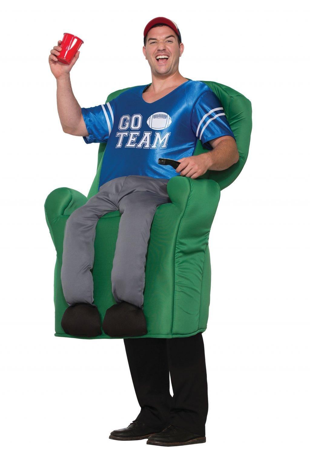 Americký fotbalista na gauči - piggyback