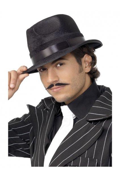 Sametový mafiánský klobouk