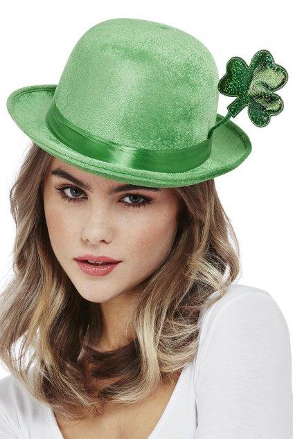 Zelená buřina s velkým čtyřlístkem - Saint Patrick's Day