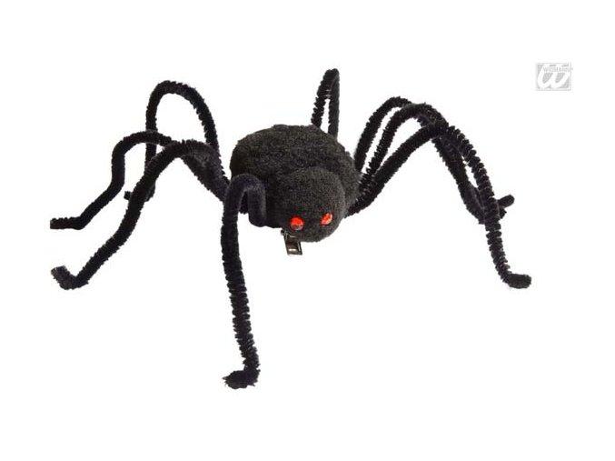 Pavouk se sponou