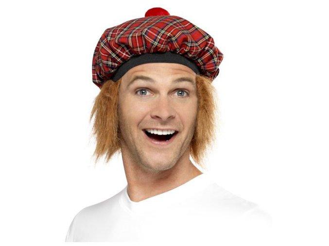 Skotská čepice s vlasy