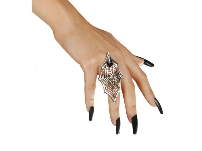 čarodějnický prsten s pavoukem
