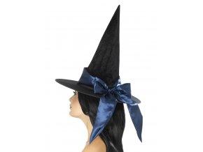 Čarodějnický klobouk s modrou mašlí