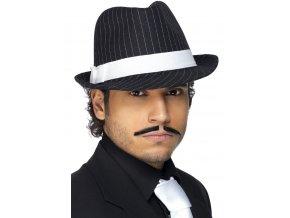 Mafiánský klobouk s bílým pruhem
