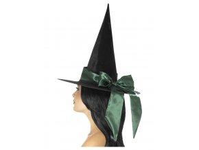 čarodějnický klobouk se zelenou stuhou