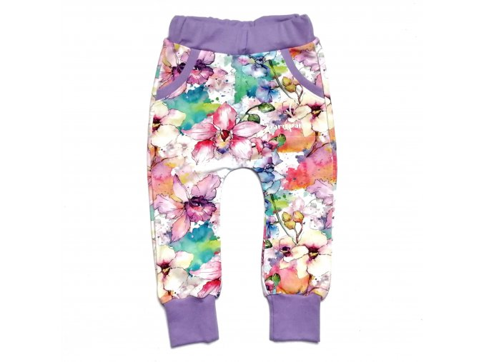 Tepláčky s fialovými květy